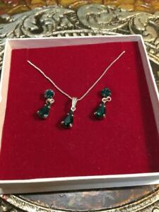 Lovely Silver & Faux Emerald Ladies Chain Necklace & Earrings Set