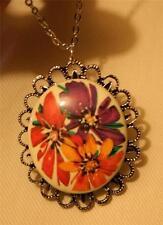 Lacy Scalloped Rim Silvertone Peach & Violet Shasta Flowers Pendant Necklace