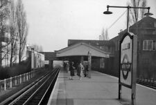 PHOTO  LONDON  BURNT OAK RAILWAY STATION 1961 VIEW SE TOWARDS GOLDERS GREEN AND