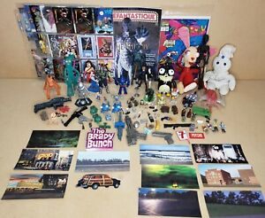 Vintage Mixed Lot 104: Toys, Figurines, background cards, magazine, comic, cards