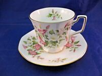 "VINTAGE ROSINA ""QUEEN'S"" TEA CUP AND SAUCER - STUNNING!   FINE BONE CHINA"