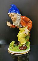 9942985-ds Wagner&Apel Porzellan Figur Zwerg mit Frosch handbemalt H21cm