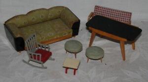 kleiner Posten verschiedene alte Möbel für die Puppenstube
