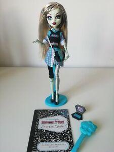 MONSTER HIGH doll FRANKIE STEIN 2nd wave (Mattel) - stand & accessories - RARE