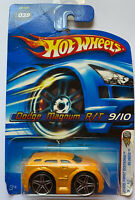 2005 Hotwheels Blings Dodge Magnum Yellow! Very Rare! Mint!