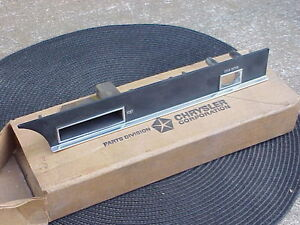 1967 1968 300 Chrysler New Yorker Newport NOS MoPar Dash BEZEL Vent Rear Defog