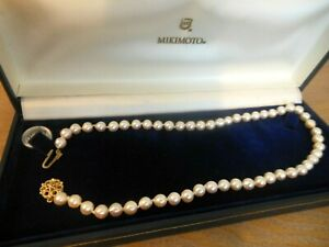 Stunning Vintage Cultured Pearl Choker Necklace - 9ct Gold Clasp in MIKIMOTO Box