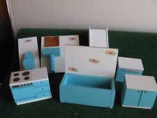 LOT DE MEUBLES EN BOIS LUNDBY    CART 27