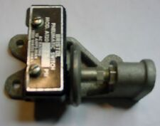 NOS 20 PSI Adjustable Pneumatic 10 Amp AC Micro Switch 1200 Watts Max.in a cast