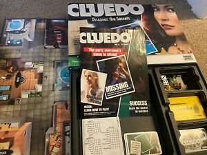 Cluedo Discover The Secrets Board Game Parker Hasbro 2008 Murder Mystery Classic