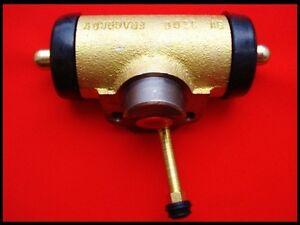Zetor Traktor Ersatzteile Bremszylinder RECHTS Radbremszylinder 5011 5211 7045
