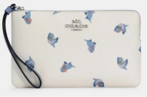 COACH C3359 Disney X Coach Large Corner Zip Wristlet Cinderella Flying Birds (2)