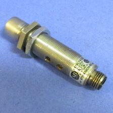 ALLEN BRADLEY 40-250V 5-400MA PROXIMITY SENSOR 871TM-B8C18-R3 SER A