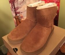 UGG Dae Sunshine Perf Chestnut  Bow Suede Mini Boots Size 7 Womens