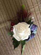 Scottish Mariage double en Boutonnière Red Sea Holly & ROSES avec perles & Berries