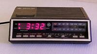 Vintage GE Model 7-4616B FM/AM Digital Alarm Clock Radio Two Wake Times - Tested