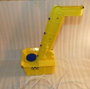 Rokenbok Motorized Conveyor / Ball Elevator #04721 Good condition Bright Yellow