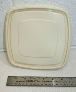 Almond Rubbermaid Servin Saver #2 Square Storage Container Replacement Lid 7""