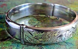 Fantastic vintage solid sterling silver Patent hinged bangle bracelet.1979.