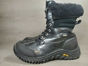 Ugg Womans Sz 9 Winter Boots Patent Leather (c1