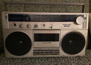 Vintage Toshiba RT-80S Cassette Recorder Boom Box WORKS!