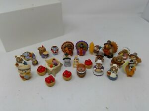 Group of 24 Hallmark Merry Miniatures & 1 Enesco - Thanksgiving Theme Figures
