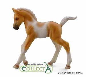 PINTO FOAL PALOMINO WALKING CollectA # 88668 Horse Collectible Baby Animal NIP