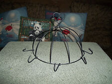 Twisted Metal Wire Heart Design Hanging Wall Kitchen Display Rack