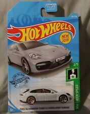 Hot Wheels Porsche Panamera Turbo S E-Hybrid Sport Turismo HW GREEN SPEED ⚡2/5