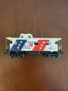 HO Vintage Tyco Spirit Of 76 Red White & Blue Caboose #1776 With Bad Box
