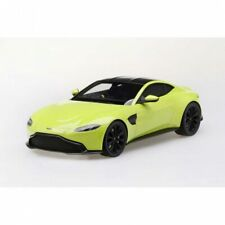1:18th Aston Martin Vantage Lime Essence