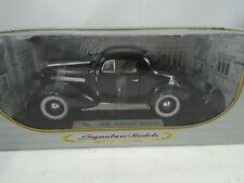 1:18 Signature Models #18106-1936 Pontiac Deluxe Negro - Rareza§