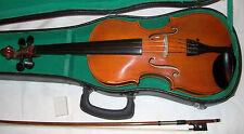 7/8 checo stadivari copia buen tono en buenas condiciones de jugar orden y con estuche y arco