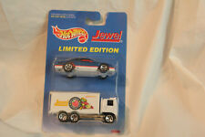 HOT WHEELS 1996 limited edition  JEWEL 2 PACK BOX TRUCK  FORD THUNDERBIRD CAR