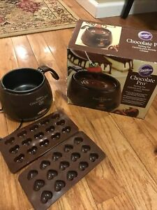 Wilton Chocolate Pro Electric Melting Pot Discontinued By Manufacturer (Used)