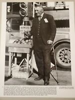 VINTAGE  PHOTO AID THE GREAT DEPRESSION BUSINESS MAN FRED BELL SELLING APPLES