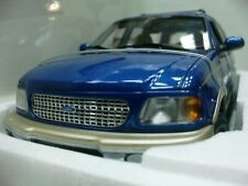 WOW EXTREMELY RARE Ford Expedition SUV 4WD 5.4 V8 EB 1998 Blue 1:18 UT-Auto Art