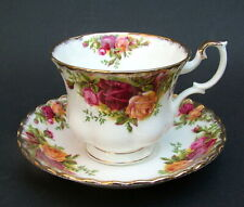 Royal Albert Old Country Roses Pattern 200ml Tea Cups & Saucers - Look in VGC