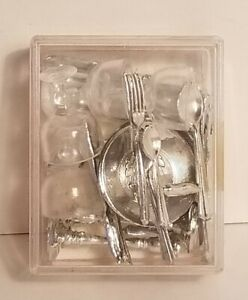 Vintage Shackman Collector's Miniature Dinner Service Dollhouse 4 Place Settings