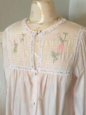 89309ab5a0 VTG Barbizon Pink Button Front Blendaire Batiste Short Pink Robe M  Embroidered