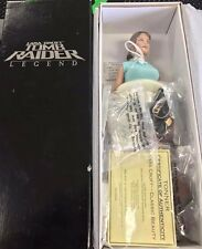 Tonner LARA CROFT: TOMB RAIDER Legend Action Figure Doll - Classic Beauty -