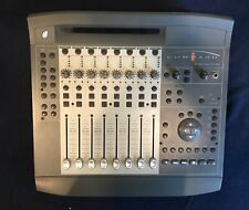 Digidesign Command 8 Digidesign - Focusrite Control Surface with Power Cable