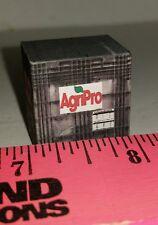 1/64 custom farm toy Pallet of agripro hybrids seeds probox Seed box see descrip