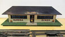 VINTAGE AMERICAN FLYER EUREKA DINER M 3040 ORIGINAL O GAUGE WITH SIGNS BLUE WIN.
