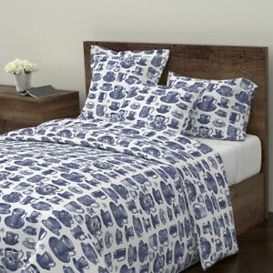 Blue And White China Blue And White Tea Set China Sateen Duvet Cover by Roostery