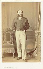 Photo cdv : Levitsky ; Bourgeois Parisien debout en pose , vers 1865