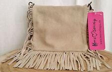 Damentaschen aus Wildleder mit verstellbaren Trageriemen und Deckelklappe
