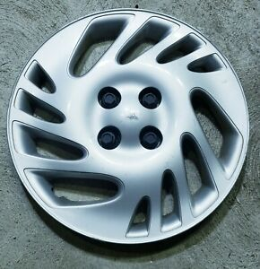 "(1) OEM 1998-1999 Saturn SL2 SW2 15"" Bolt-On Hubcap Wheel Cover #0E GM 21012596"