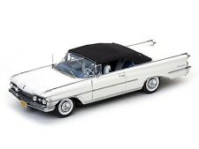 Sunstar 1:18 1959 Oldsmobile 98 Closed Convertible, white