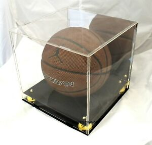 BASKETBALL DISPLAY CASE - MIRROR BACK FINISH AND GOLD RISERS